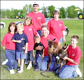 paul, and, sheila, haag, dog, breeder, family, paul-sheila-haag, amazen, farm, dog_breeder, puppies, pups, eden-valley, mn, minnesota, 41A0281, usda,